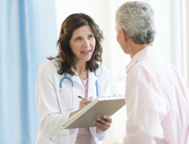 doctor-discussing-with-patient-in-hospital-1